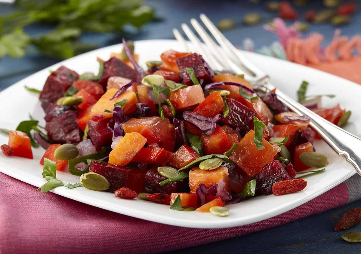 Raw Beetroot Salad - Raw & Vegan - Laura's Idea