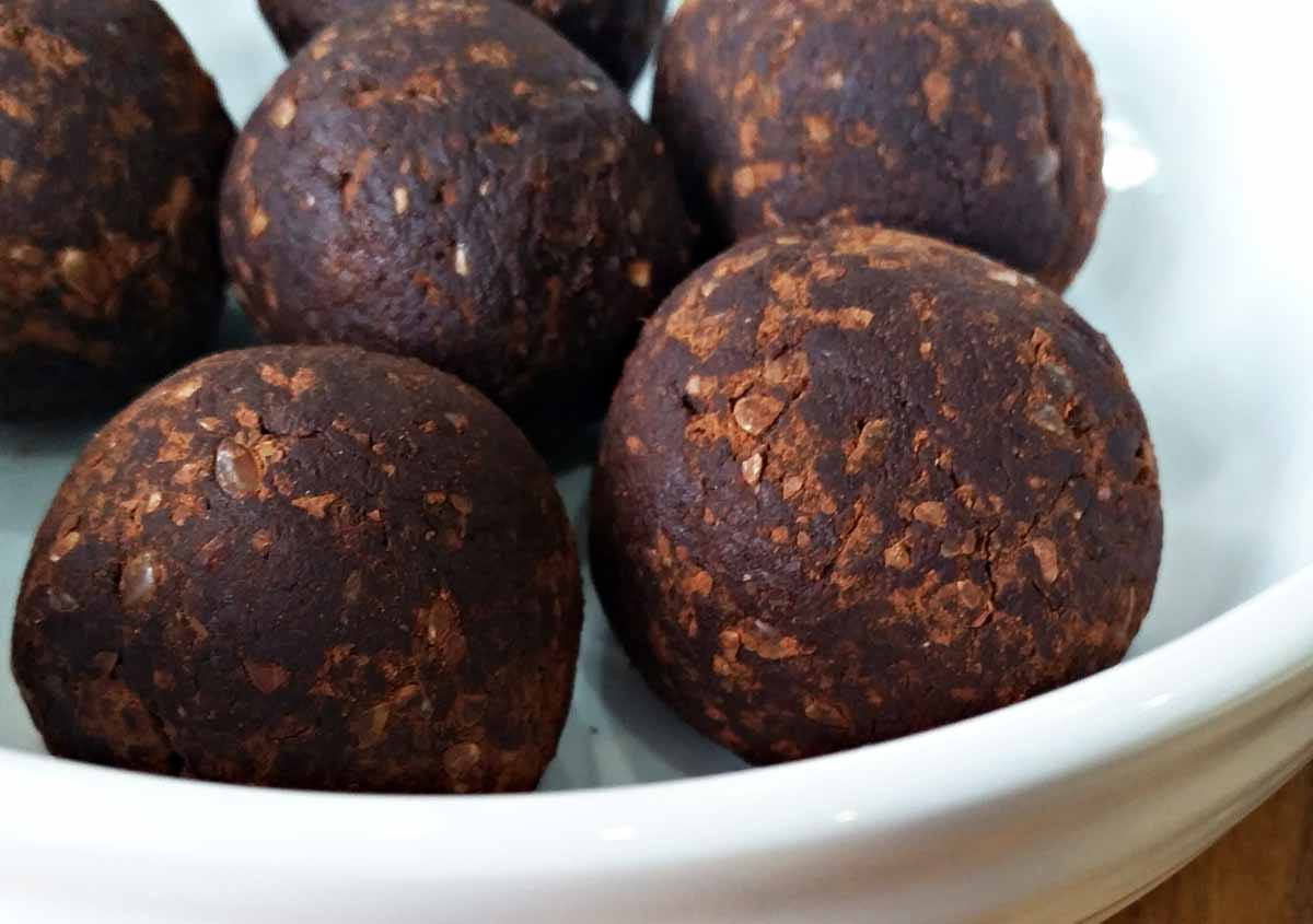 Guilt-Free Truffles - Raw & Vegan - Laura's Idea